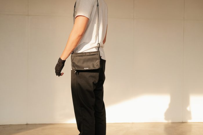 Foldable Saccoche Sling bag from Topologie