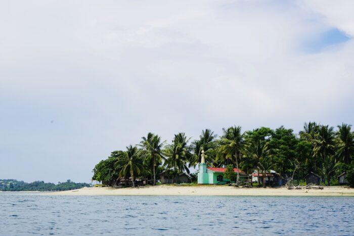 A mosque on Buh-Buh island