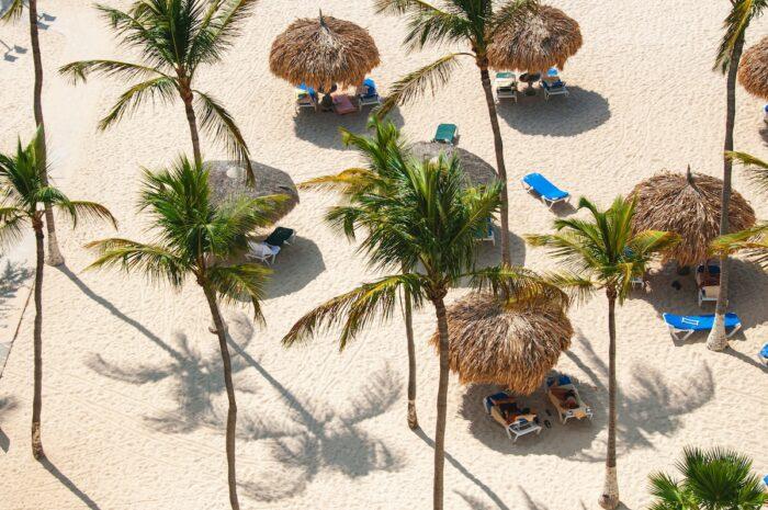 Beaches in Aruba photo by @pevangelista_ny via Unsplash