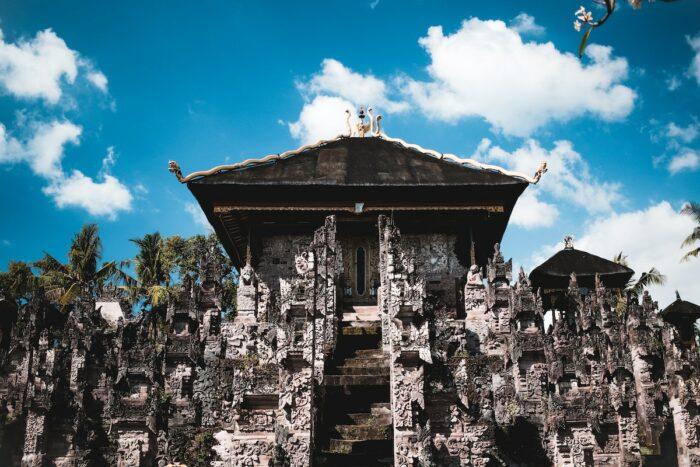 Beji Temple in Singaraja Bali photo by @powwpic via Unsplash