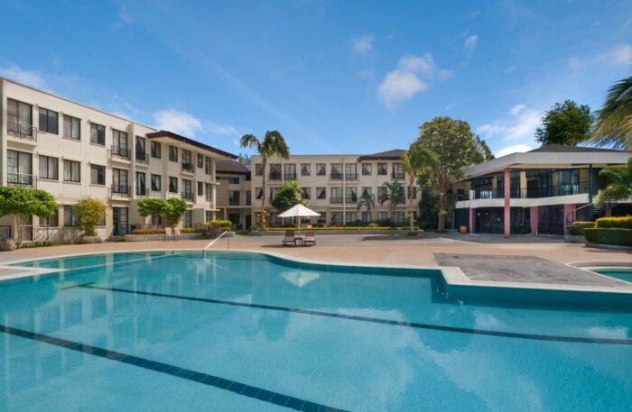 LimaPark Hotel Poolside