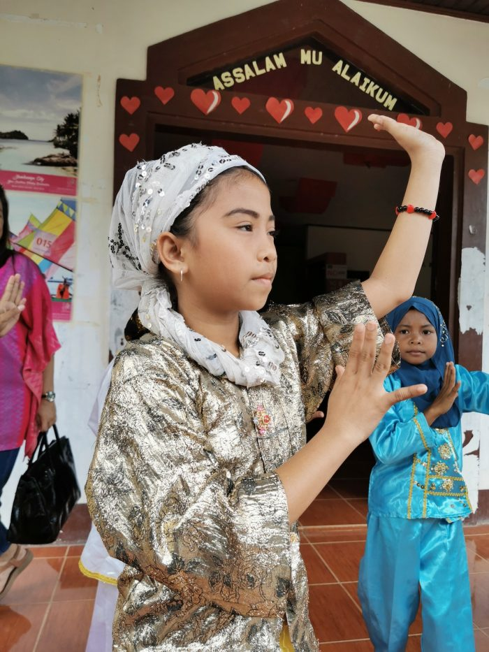 Local kids who performed traditional dances