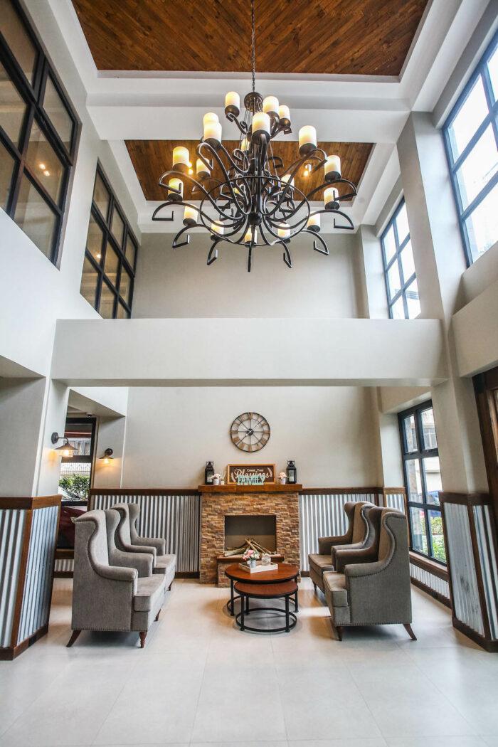 Royale Parc Hotel lobby