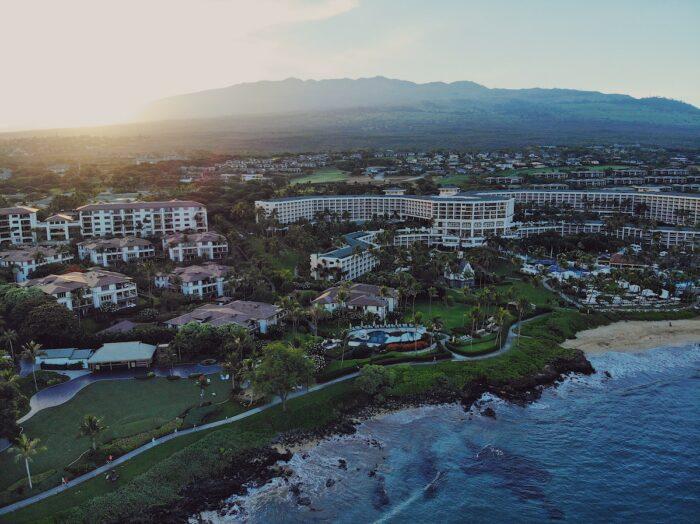 Wailea Beach Hawaii by @jadlimcaco via Unsplash
