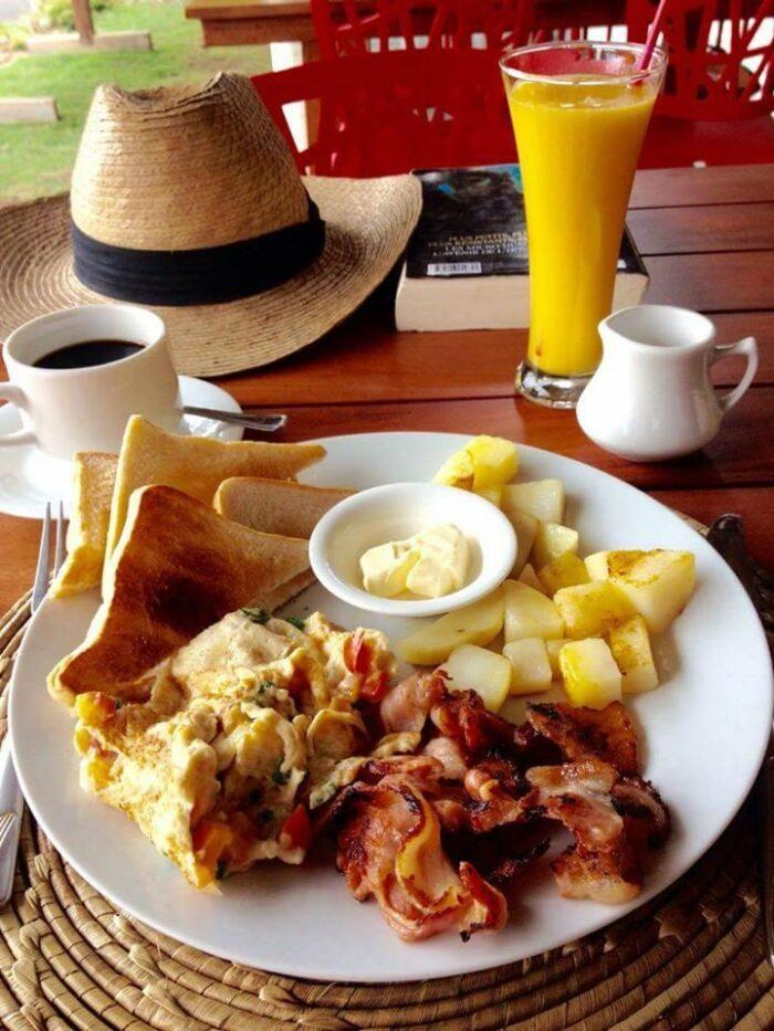 La Terrasse American Breakfast