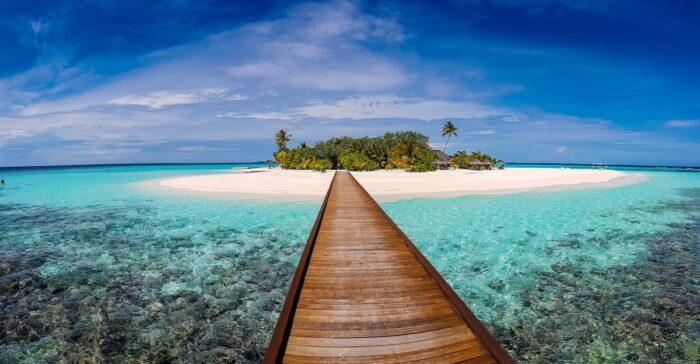 Maldives photo by @thanni via Unsplash