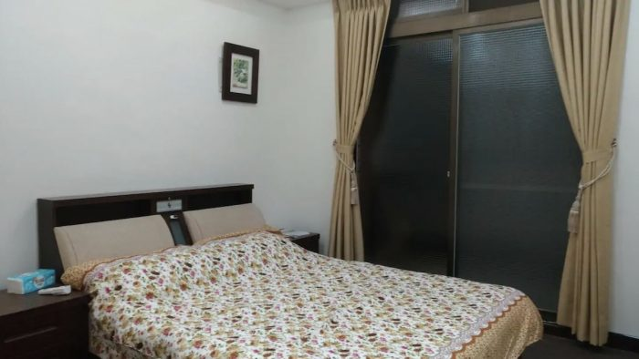 Private room in townhouse in Daxi District