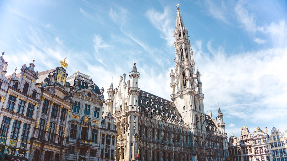 Best Hotels in Brussels photo by @yokeboy via Unsplash
