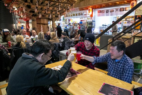 Delectable fusion foods, local IPAs, and all staple Japanese food and drinks are available at Nozawa Onsen's booming night scene.