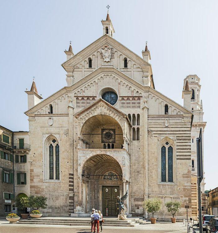 Duomo Verona photo by Didier-Descouens-via-Wikipedia-CC