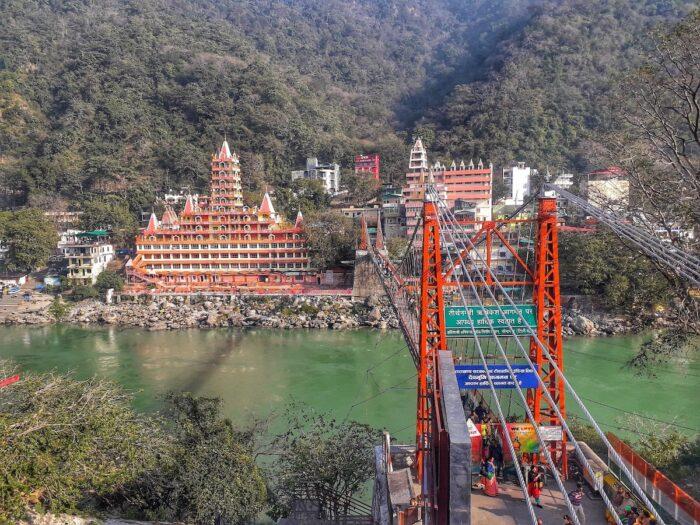 The iconic Lakshman Jhula Bridhe and the Trayambakeshwar Shiva Temple