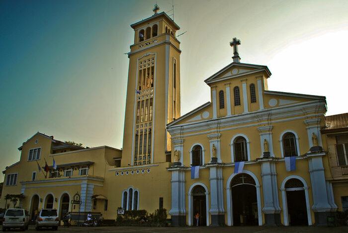 Our Lady of Manaoag Church photo by Jsinglador via Wikipedia CC