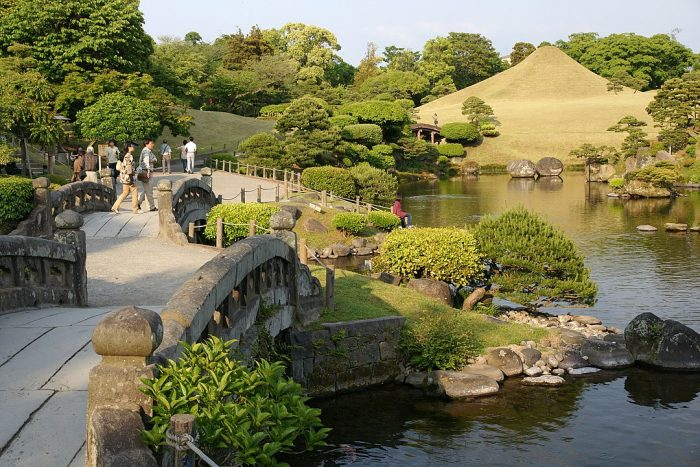 Suizenji Jojuen Garden photo by 663highland via Wikipedia CC