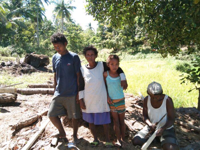 Aeta Family in Carabao Island Romblon