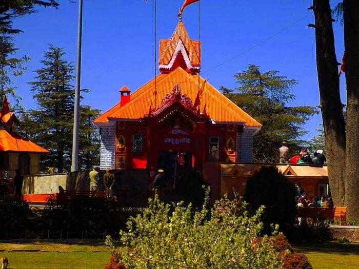Jakhoo Temple photo by Rohan1331 via Wikipedia CC