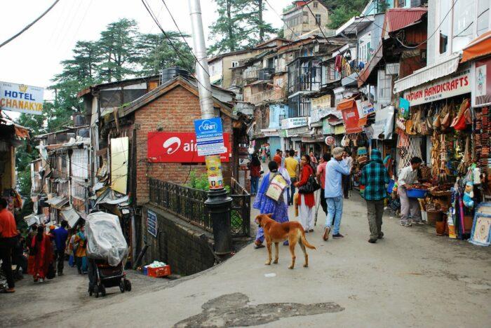 Lakkar Bazaar photo via MapsofIndia FB Page