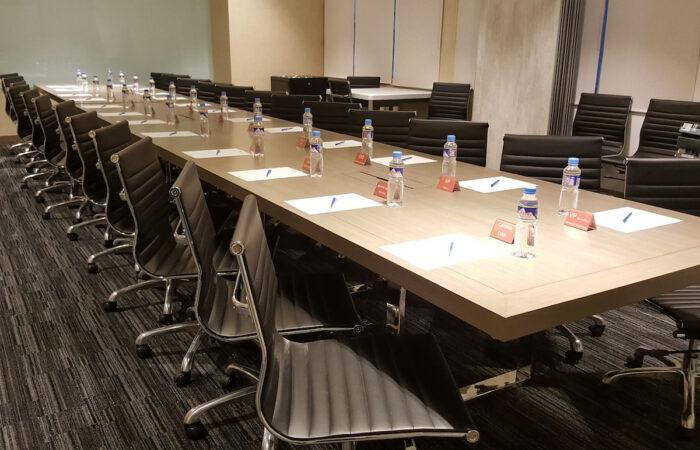 Eton Tower Makati Mini Suites Boardroom