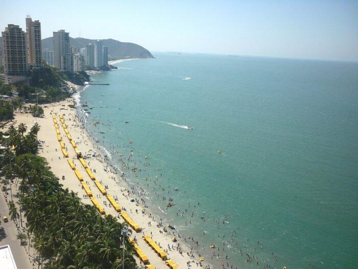 Playa El Rodadero by Sheisale via Wikipedia cc