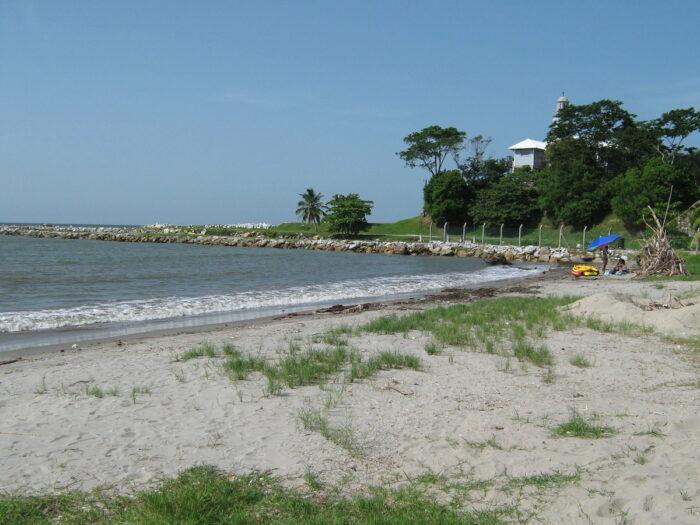 Playa de Cieneguita Honduras by Mario Torres Montoya via Flickr cc