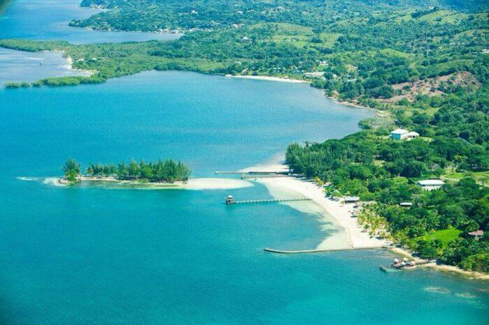 Roatan Havana Beach Club photo via Facebook Page