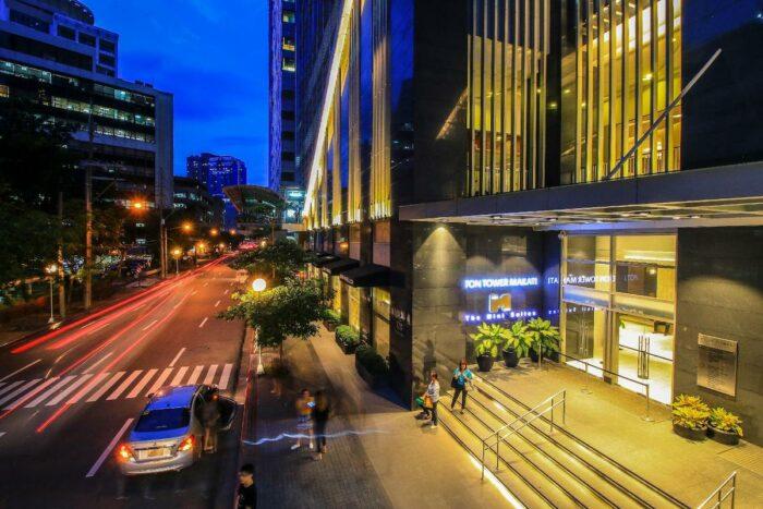 The Mini Suites Eton Tower Makati photo via Agoda
