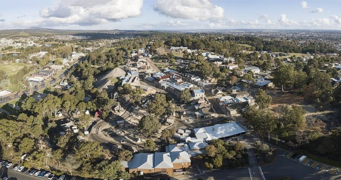 Aerial panorama of Sovereign Hill by Chensiyuan via Wikipedia CC
