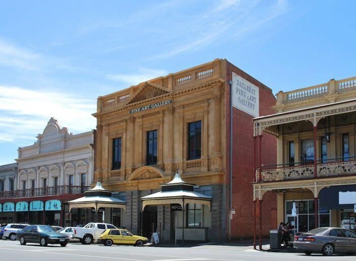 Ballarat Fine Art Gallery by Mattinbgn via Wikipedia cc