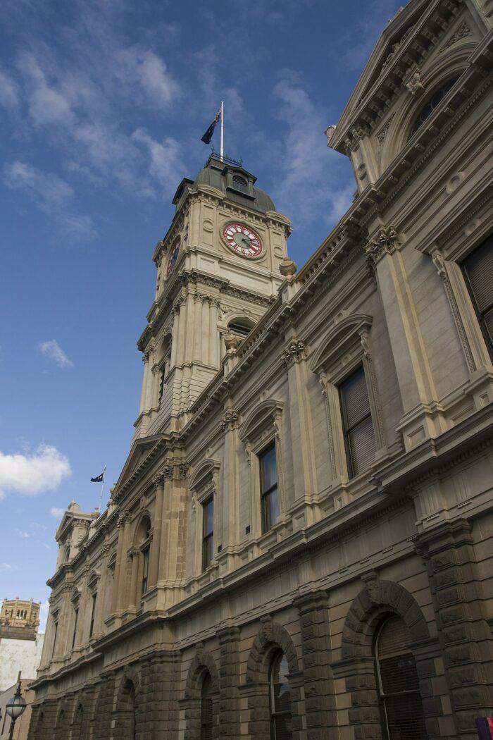 Ballarat Town Hall by Maksym Kozlenko via Wikipedia cc