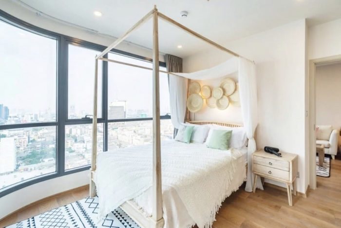 Airbnb Apartment corner unit in Bangkok