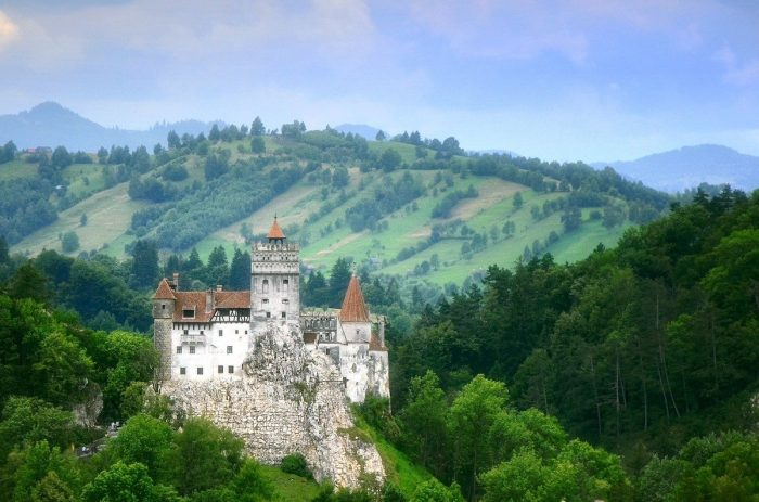 Bran Castle photo via Pixabay