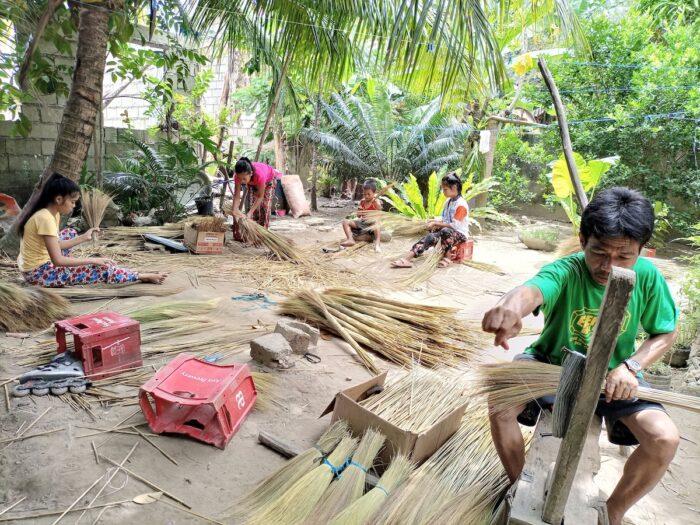 Broom makers in Romblon