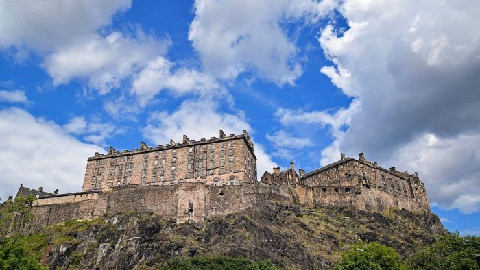 Edinburgh Castle photo via Pixabay