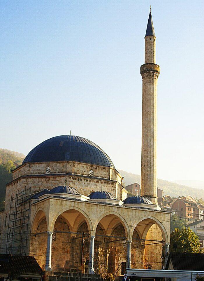 Sinan Pasha Mosque by Drilon5 via Wikipedia CC