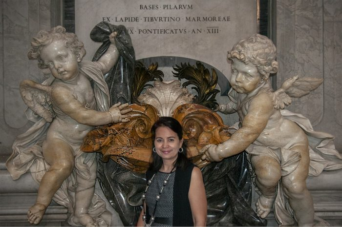 These cherubs sculpted in solid marble sure are large!