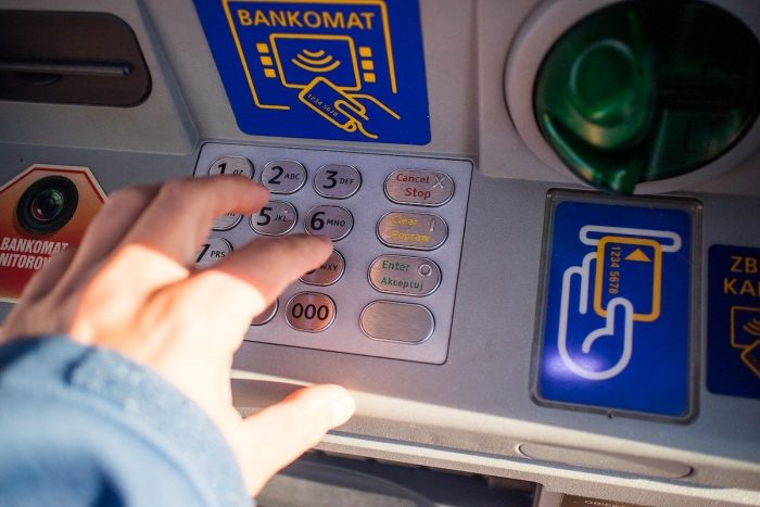 Where and How can I withdraw money from GCash?