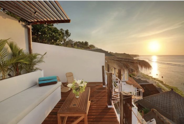 Airbnb Cliff House in Bali