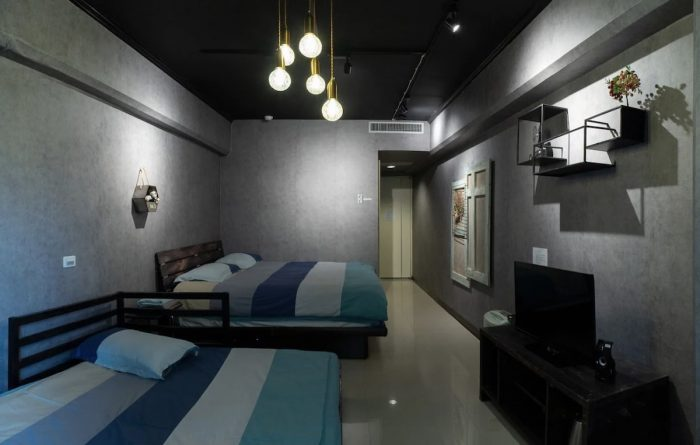 Airbnb Rentals Taipei Near MRT zhoungshan elementary station