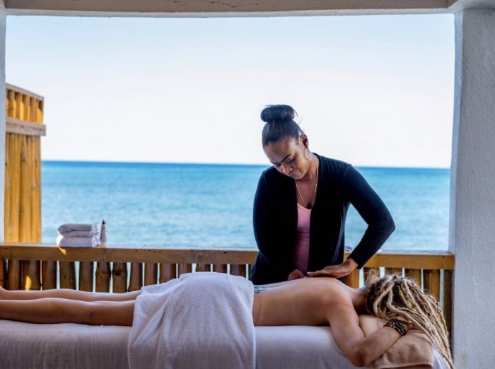 Airbnb with welness spa in Negril
