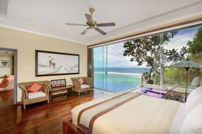 Beachfront Villa w/ Sea View, Wifi & Private Beach