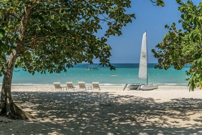 Beautiful Beachfront Airbnb in Negril