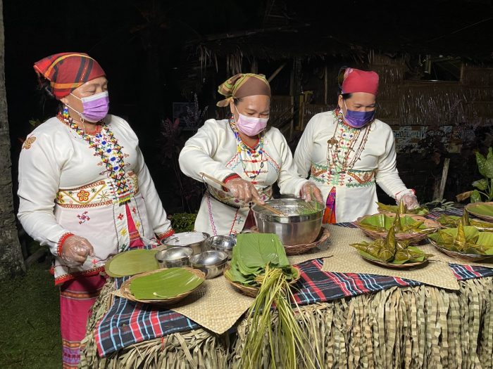 Cooking demo by the Subanens