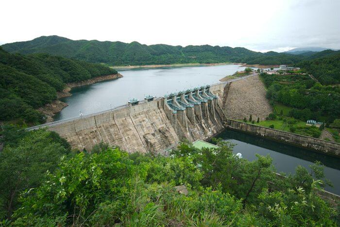 Daecheong Dam by Yoo Chung via Wikipedia CC