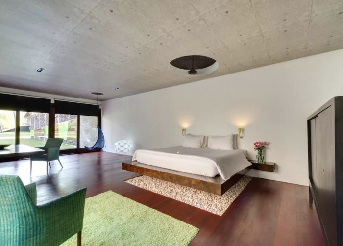 Lombok luxury Airbnb with funky architecture, four swimming pools, tennis court, exemplary service and gourmet cuisine
