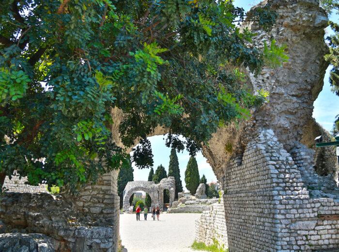 Roman ruins in Cimiez photos via Depositphotos.com