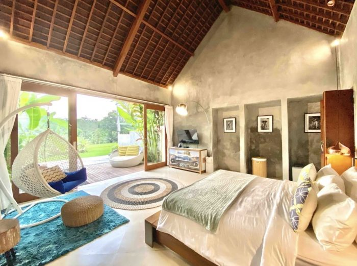 Romantic Airbnb Staycation with Private Sunset Pool in Ubud