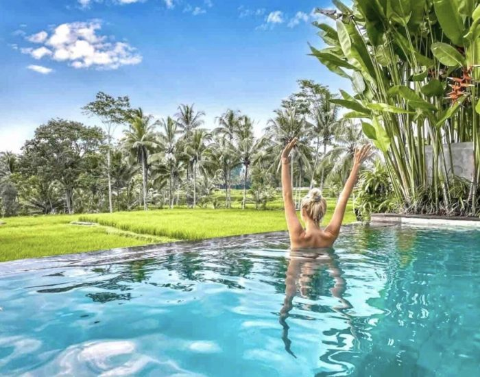Romantic Staycation with Private Infinity Pool in Ubud