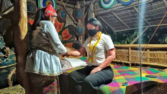 Subanen Hilot. Photo by Marky Ramone Go of Nomadic Experiences