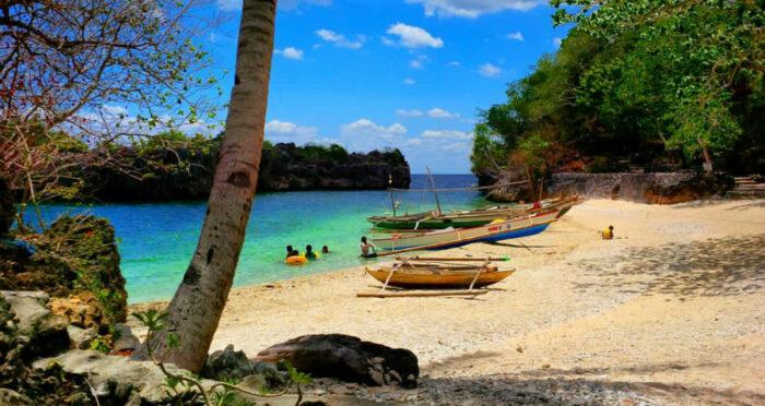 Tiniguiban Islet by Anna Jane Vitug Oyong via Facebook