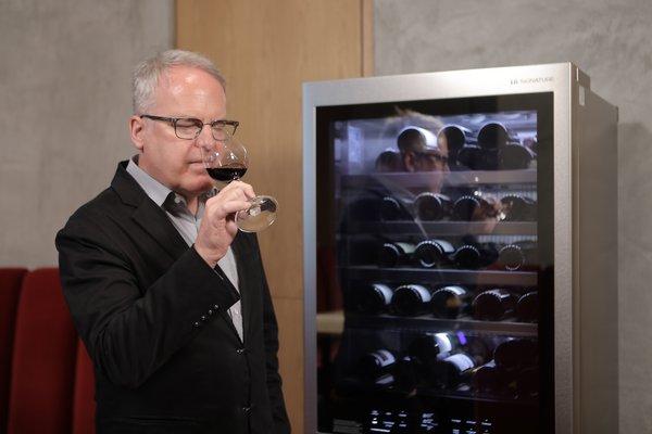 LG SIGNATURE Ambassador James Suckling and the LG SIGNATURE Wine Cellar