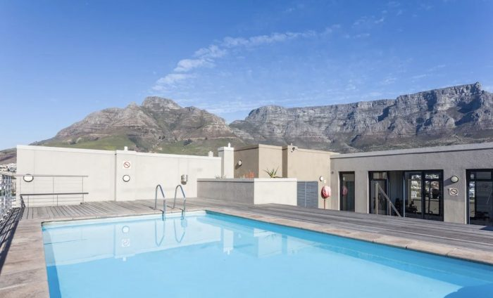Airbnb with pool and gym with 360 views of Cape Town